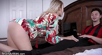 Best Friends Cougar Mom is Starving for My Cock!