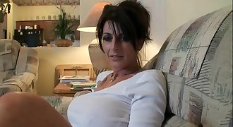 Sexy Cougar Mom --- looking for quick sex in your area? Visit: nolimp.com